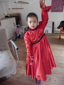 カーニバルの衣装は情熱の赤!_f0106597_18284777.jpg