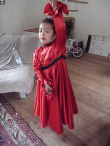 カーニバルの衣装は情熱の赤!_f0106597_18315636.jpg
