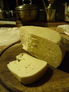 オーガニックのチーズが届きました♪~グルッポ・ディ・アクイスト_f0106597_2330369.jpg