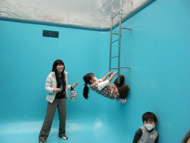21世紀美術館_e0142956_1124121.jpg