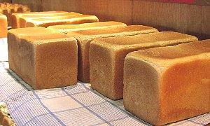 焼きたてパンで贅沢気分_c0141652_13274513.jpg