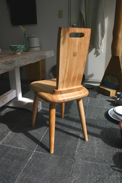 自分だけの椅子_f0171785_1657527.jpg
