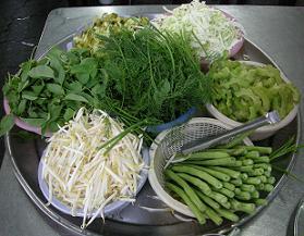 ヴェトナム麺も真っ青の気前よさ カノム・ジーン_c0030645_18444159.jpg