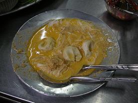 ヴェトナム麺も真っ青の気前よさ カノム・ジーン_c0030645_1850925.jpg