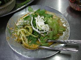 ヴェトナム麺も真っ青の気前よさ カノム・ジーン_c0030645_18534984.jpg