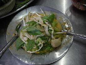 ヴェトナム麺も真っ青の気前よさ カノム・ジーン_c0030645_18562846.jpg