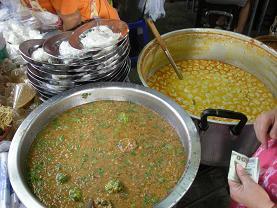 ヴェトナム麺も真っ青の気前よさ カノム・ジーン_c0030645_1912663.jpg
