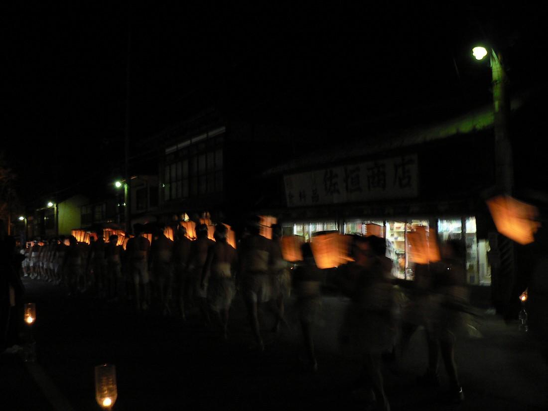 巌龍神社の裸参り_d0001843_2042147.jpg