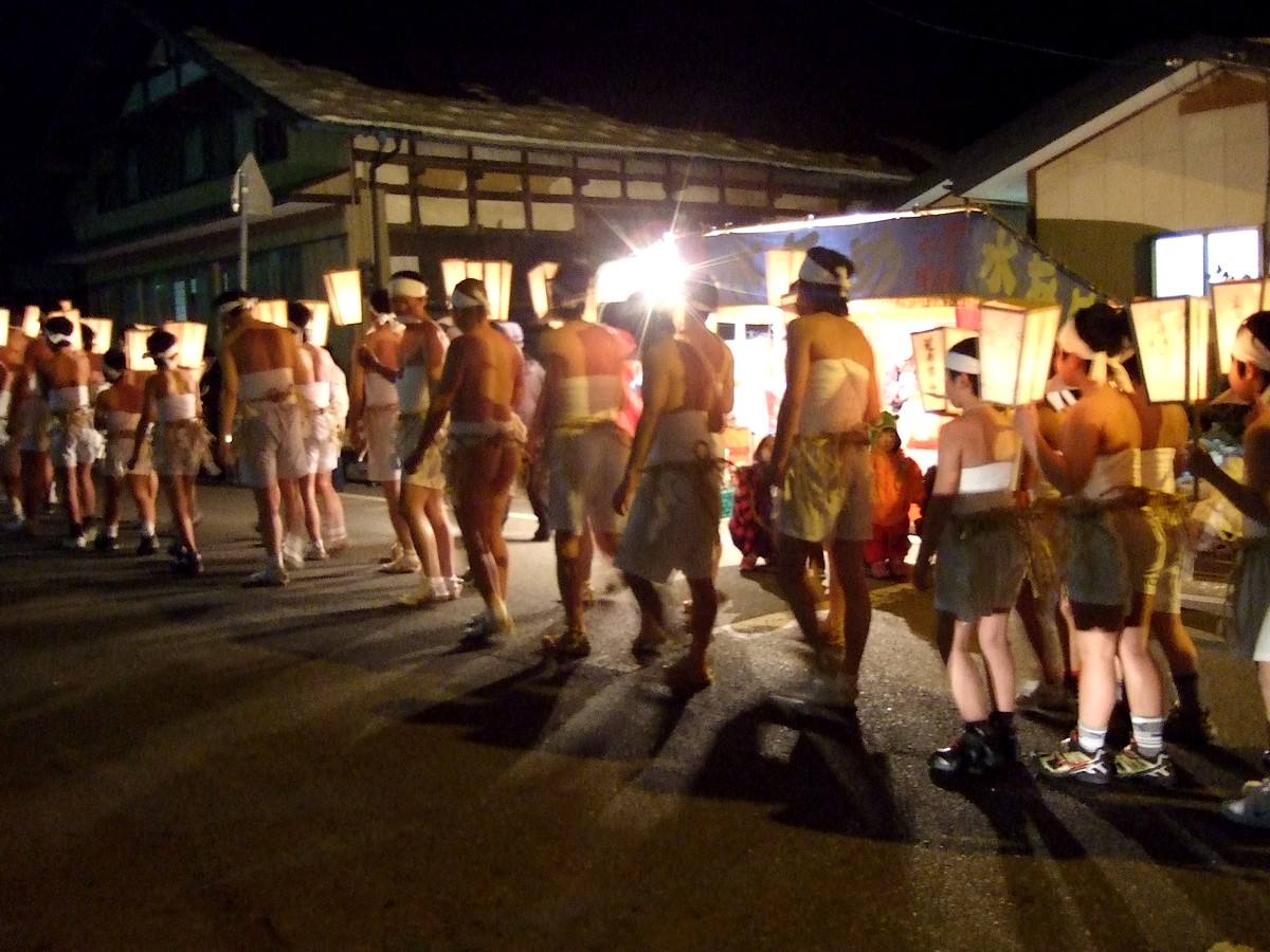 巌龍神社の裸参り_d0001843_2144436.jpg
