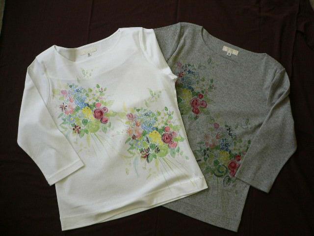 やさしい花束プリントのTシャツ_c0126189_1957245.jpg