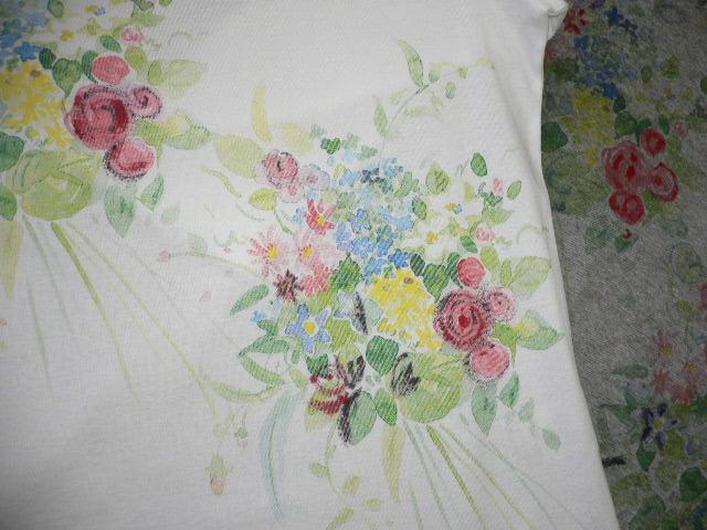 やさしい花束プリントのTシャツ_c0126189_20202115.jpg