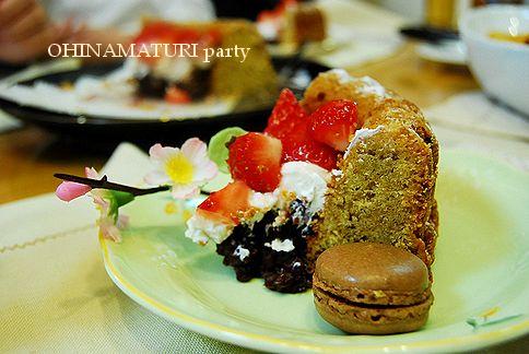 お雛祭りケーキ & ピザパーティ_a0105872_20453722.jpg