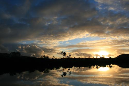 ハワイNOV2008 旅日記26(最終日朝。朝焼け。)_f0059796_14553245.jpg