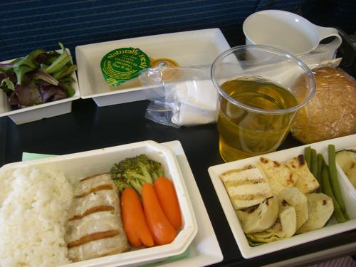 ハワイNOV2008 旅日記28(NH1051便で東京へ)_f0059796_15103215.jpg