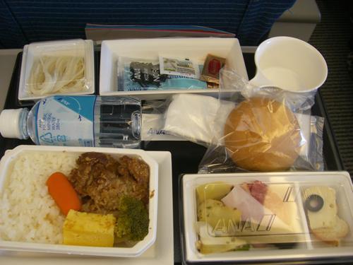 ハワイNOV2008 旅日記28(NH1051便で東京へ)_f0059796_1510920.jpg