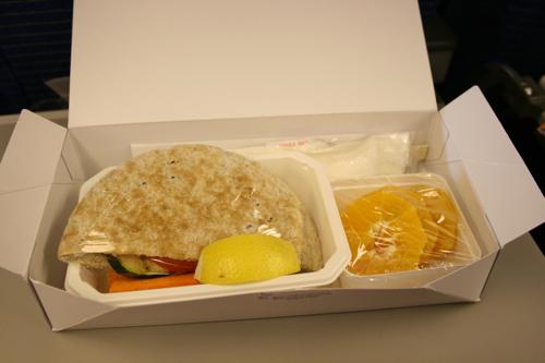 ハワイNOV2008 旅日記28(NH1051便で東京へ)_f0059796_15133811.jpg
