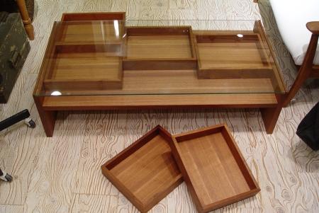 チーク材の素敵なガラス天板センターテーブル_a0096367_22554177.jpg