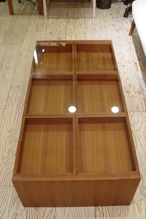 チーク材の素敵なガラス天板センターテーブル_a0096367_22554898.jpg