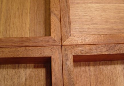 チーク材の素敵なガラス天板センターテーブル_a0096367_23115419.jpg