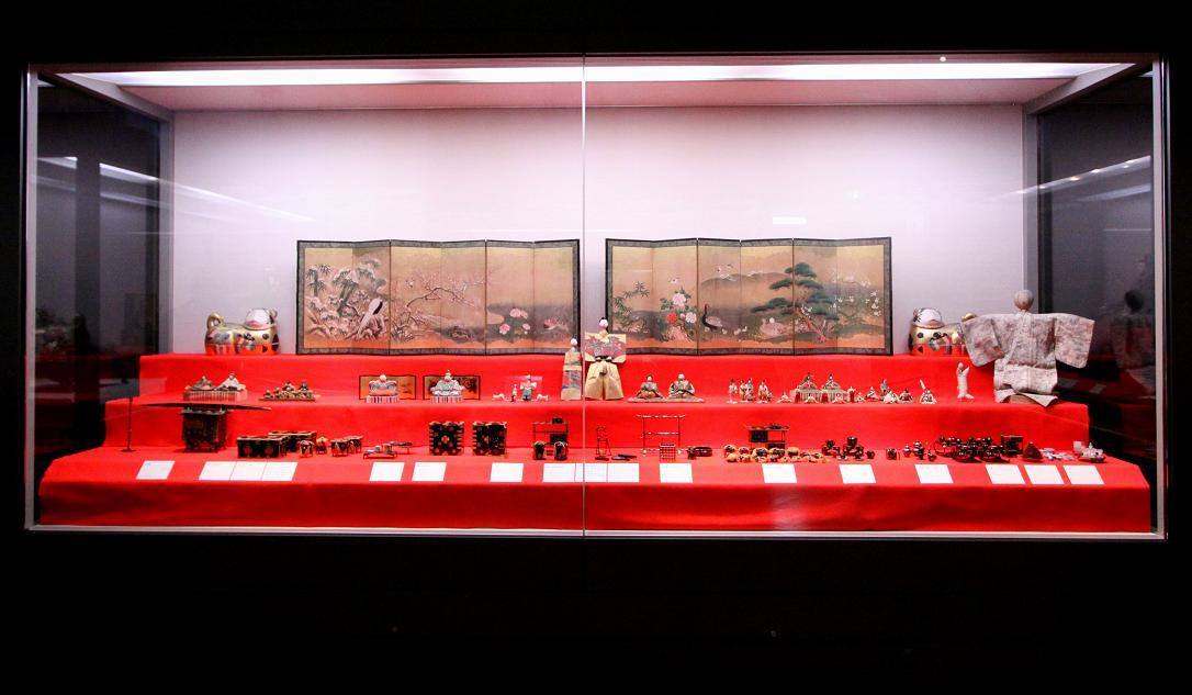 雛人形(江戸時代)     読書(黒田清輝作)          東京国立博物館その2_a0107574_18441953.jpg