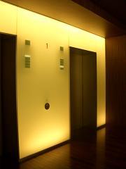 光る壁_b0146238_17263765.jpg
