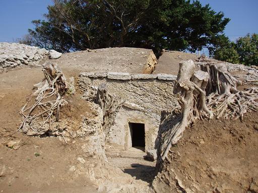 崎原古墓群(さちばるこぼぐん)_c0180460_22114679.jpg