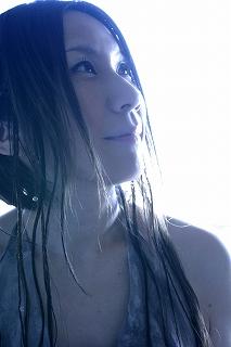 4.29、 新居昭乃、年半ぶりのオリジナルフルアルバムのリリース。_e0025035_16315450.jpg