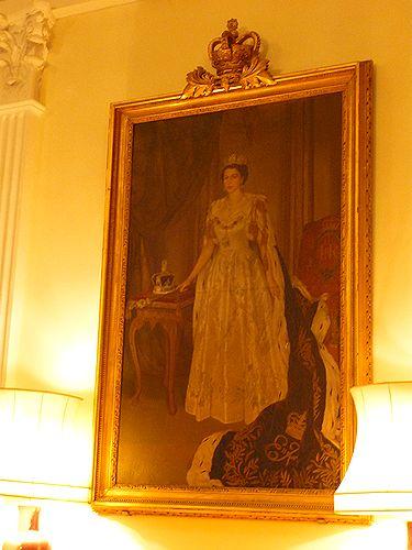 高円宮妃久子さまも ご一緒の 優雅な Afternoon Tea Party at 英国大使館公邸。。。* *。:☆.。†_a0053662_11402626.jpg