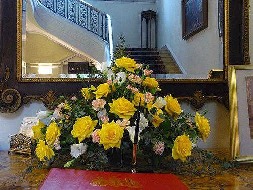 高円宮妃久子さまも ご一緒の 優雅な Afternoon Tea Party at 英国大使館公邸。。。* *。:☆.。†_a0053662_12111657.jpg