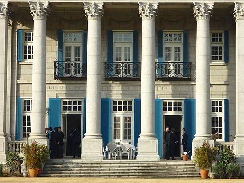 高円宮妃久子さまも ご一緒の 優雅な Afternoon Tea Party at 英国大使館公邸。。。* *。:☆.。†_a0053662_1212552.jpg