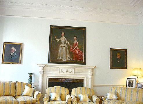高円宮妃久子さまも ご一緒の 優雅な Afternoon Tea Party at 英国大使館公邸。。。* *。:☆.。†_a0053662_1824068.jpg