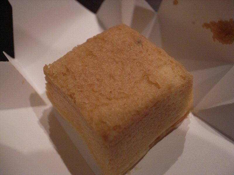 【デパ地下】資生堂パーラー 春のチーズケーキ(さくら味)_d0068879_129667.jpg