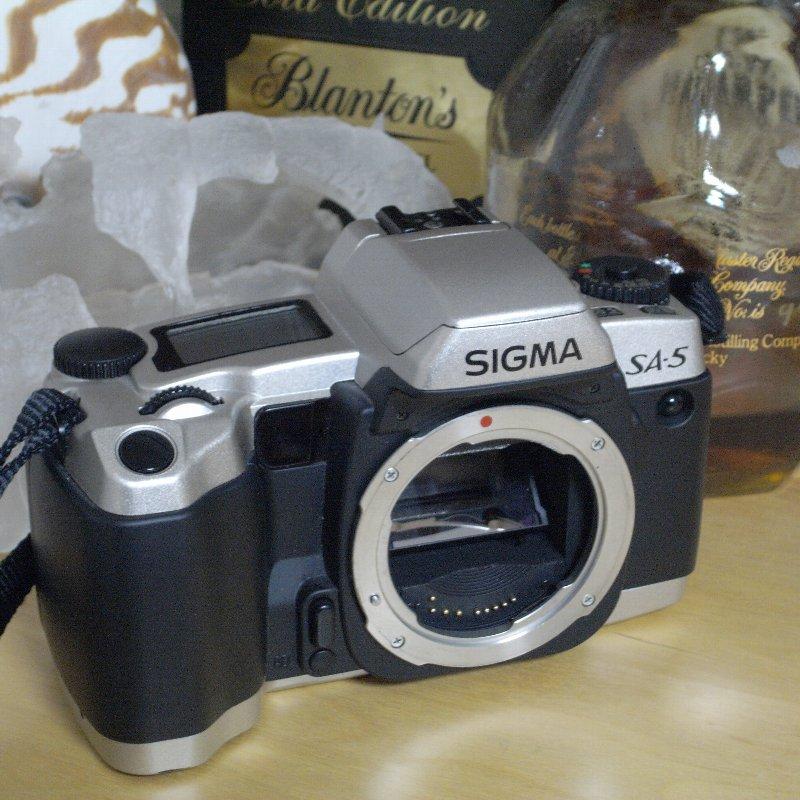 SIGMA 一眼レフカメラ オール・コンプリート_c0124795_13111224.jpg
