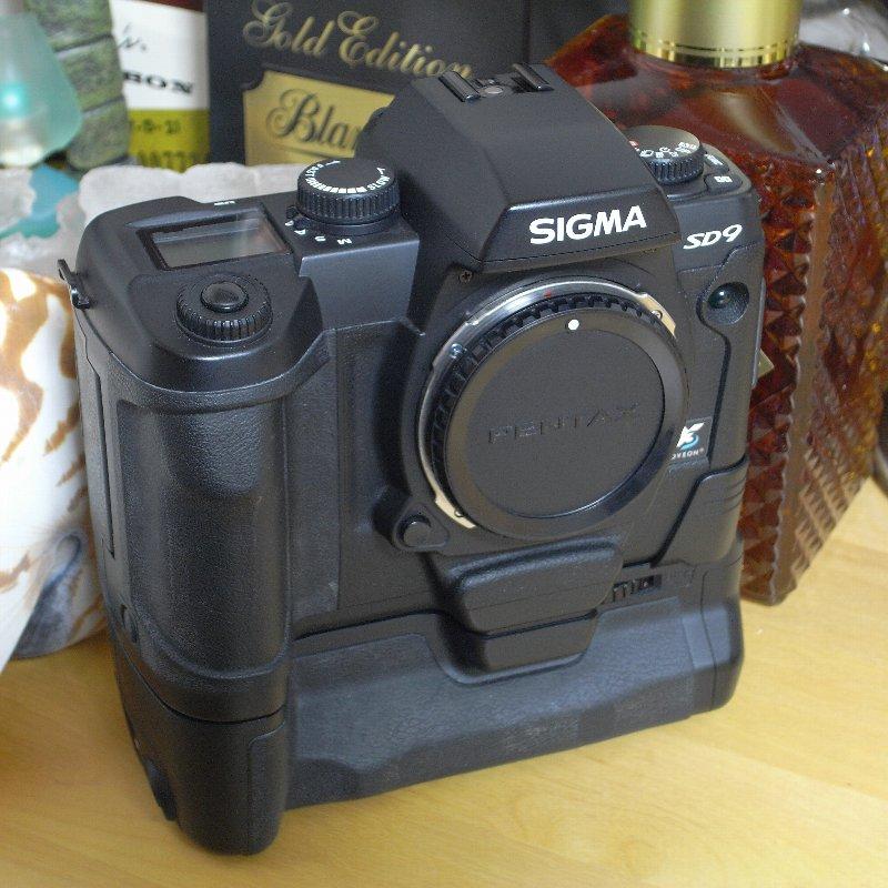 SIGMA 一眼レフカメラ オール・コンプリート_c0124795_1313046.jpg