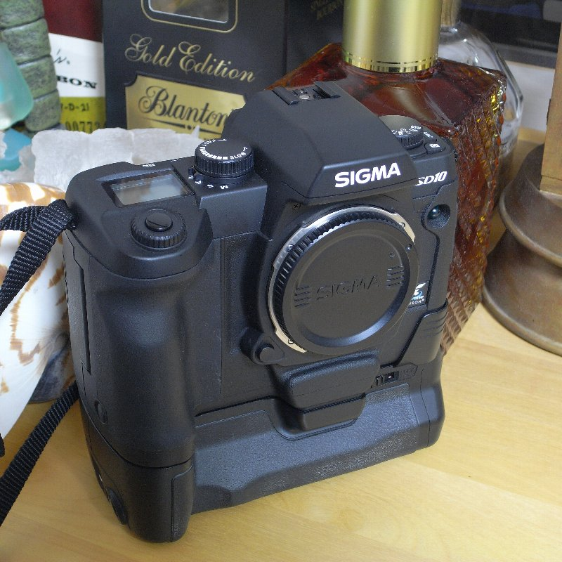 SIGMA 一眼レフカメラ オール・コンプリート_c0124795_13152372.jpg