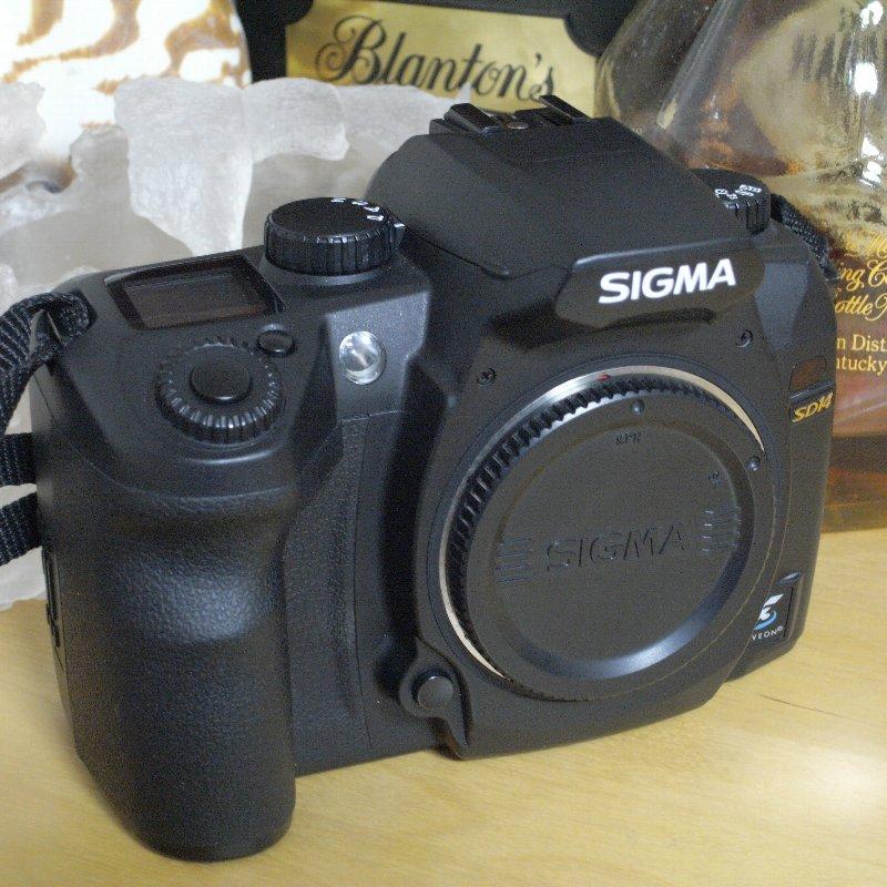 SIGMA 一眼レフカメラ オール・コンプリート_c0124795_1315404.jpg