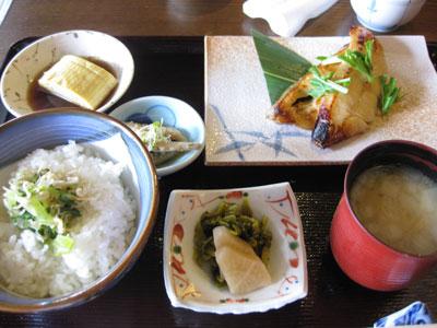 ちゃんとした日本食?_c0196240_17191910.jpg