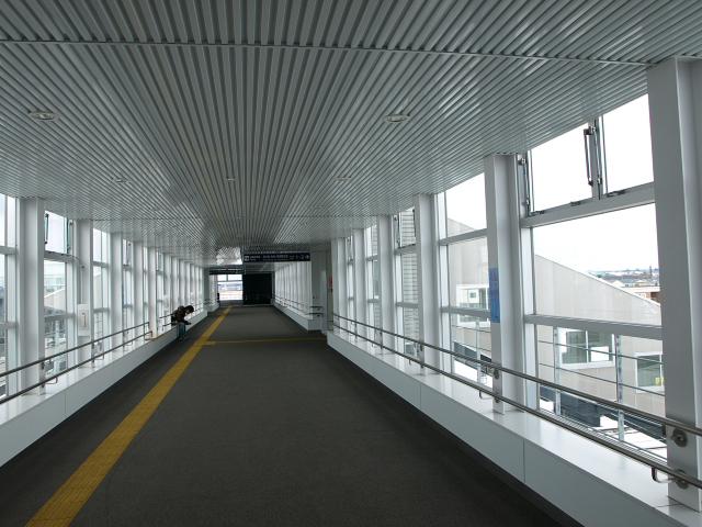 沼ノ端駅自由通路_d0153062_9144090.jpg