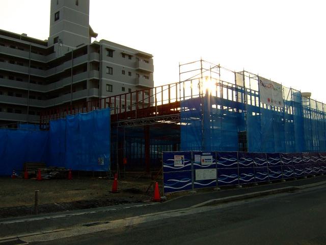 ちゃんこ雷電跡に、店舗建設中_b0095061_926163.jpg