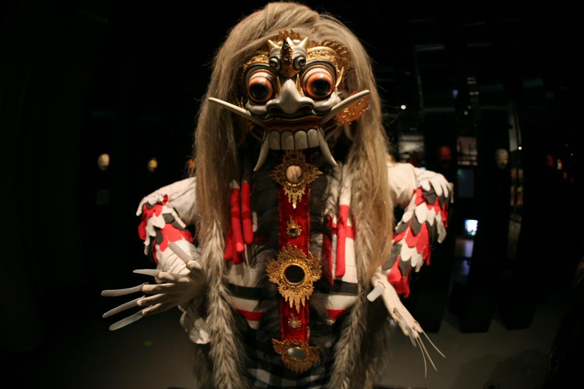 National Museum of Ethnology, Osaka 10  _f0021869_2115155.jpg