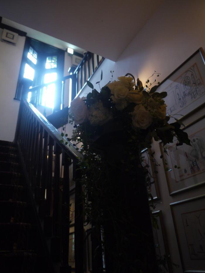 シェ松尾松濤レストラン様の装花 春の雨の日に_a0042928_19193586.jpg