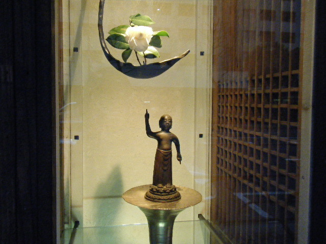 東美アートフェアと「旅する流れ仏たち」展_e0142956_1749286.jpg