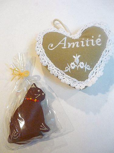 ル カフェ マミィ  Le Cafe Mamie の 懐かしい香り。。。優しい amitie からの 贈り物☆・:*:・゚`✛ _a0053662_2115266.jpg