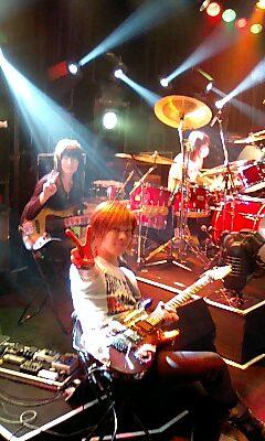 奥井さん誕生日ライブ終了~_e0146185_2092873.jpg