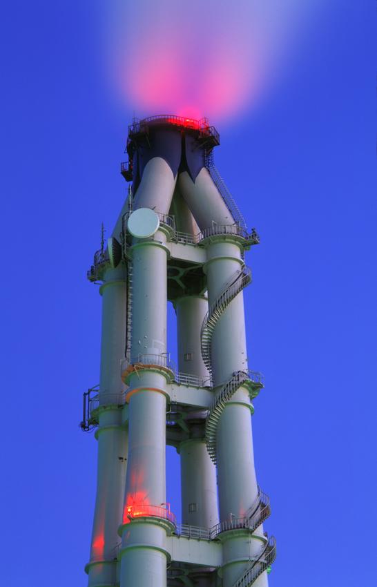 火力発電所の煙突(横浜・磯子) 1999.12.31/2000.1.4 _c0190190_72905.jpg