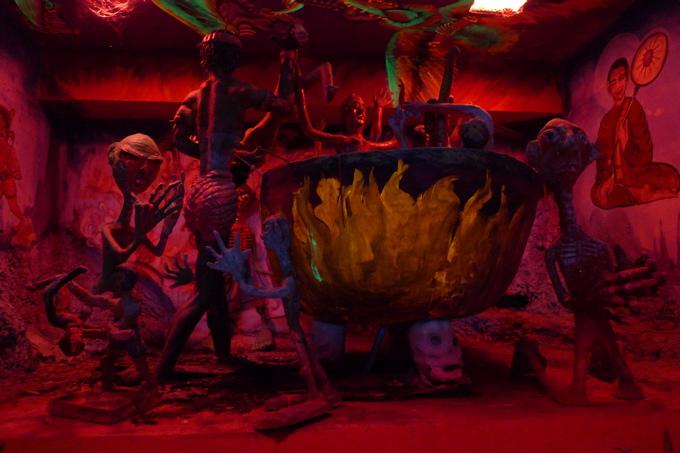 サワディThailand(2日目)「地獄寺」赤系_f0170995_19292633.jpg