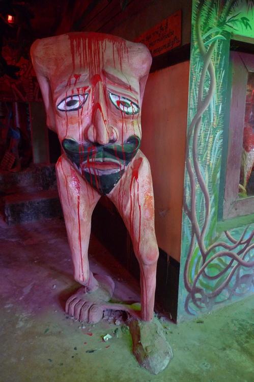 サワディThailand(2日目)「地獄寺」赤系_f0170995_1933558.jpg