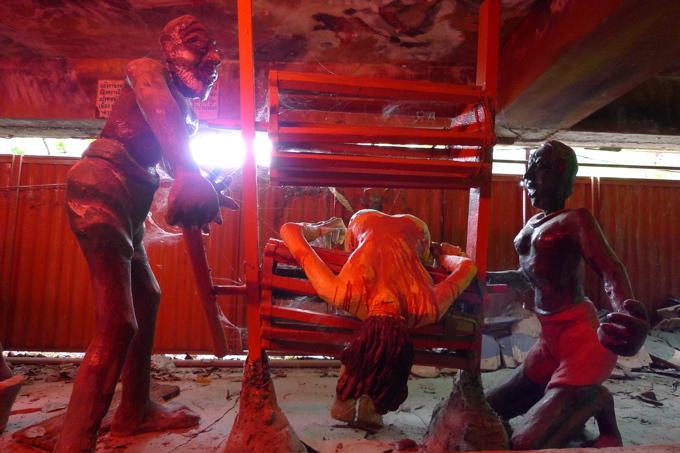 サワディThailand(2日目)「地獄寺」赤系_f0170995_1934976.jpg