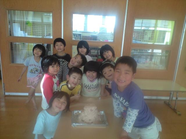 お祝いケーキ_b0117125_15193946.jpg