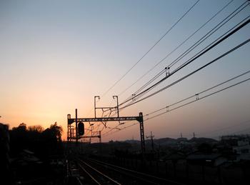 夕暮れの時の電車にて_e0177207_23221072.jpg